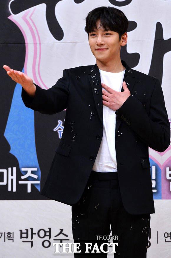 俳優のチ・チャンウクが入隊する心境を語った。