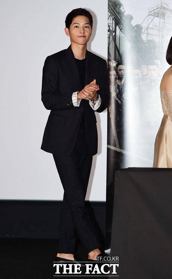 俳優のソン・ジュンギが19日午後、ソウルで開かれた映画「軍艦島」のマスコミ試写会に出席した。