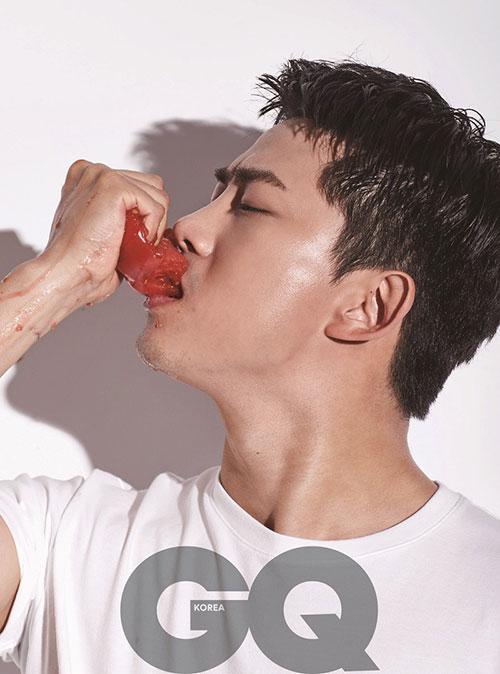 2PMのテギョンが、自身の20代と30代について語った。|<GQ KOREA>