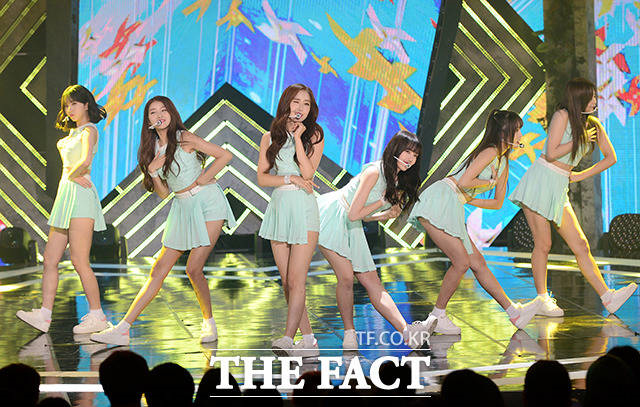 GFRIENDが8日午後、音楽番組「THE SHOW」に出演した。