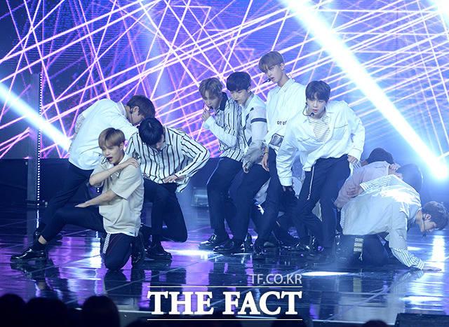 Wanna Oneが23日午後、MBCドリームセンターで開催された「SHOW CHAMPION」にて華やかなステージを披露。