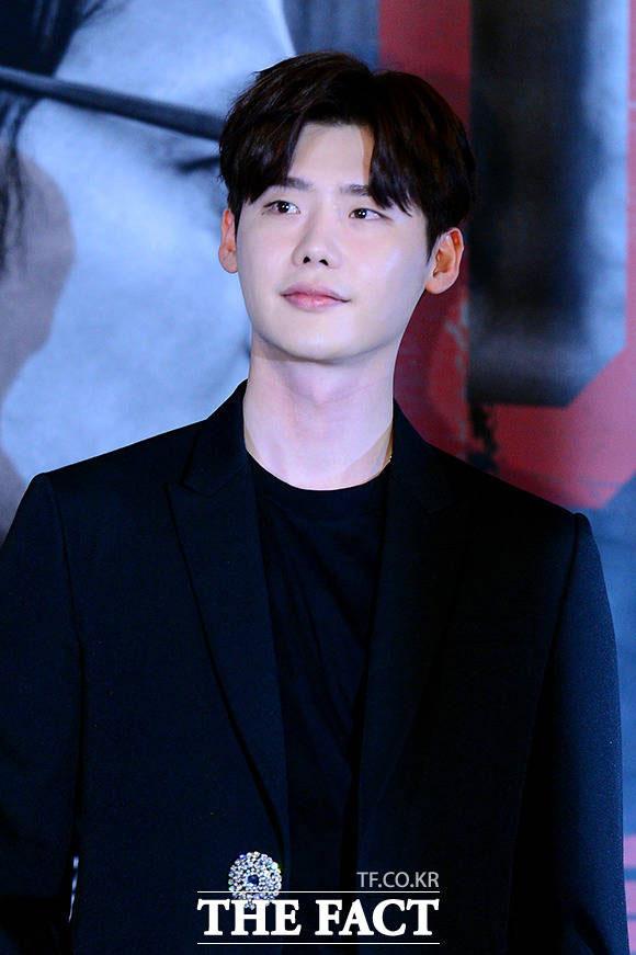 俳優のイ・ジョンソクが韓国の人気バラエティ番組「三食ごはん」にゲストとして出演したことがわかった。