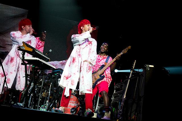 BIGBANGの G-DRAGONがイギリスのロンドンとバーミンガムを熱く盛り上げながら、初の欧州ツアーの幕を華麗に開いた。|YGエンターテイメント