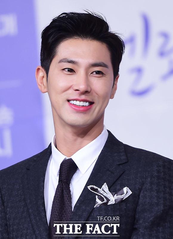 東方神起のユンホが30日午後、ソウルで開かれた韓国ケーブルチャンネルOCNの新月火ドラマ「メロホリック」の制作発表会に出席した。|撮影:ぺ・ジョンハン