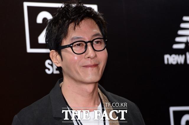 韓国の国立科学捜査研究所は亡くなった故キム・ジュヒョクさんの死因について「深刻な頭部損傷」と解剖所見を伝えた。