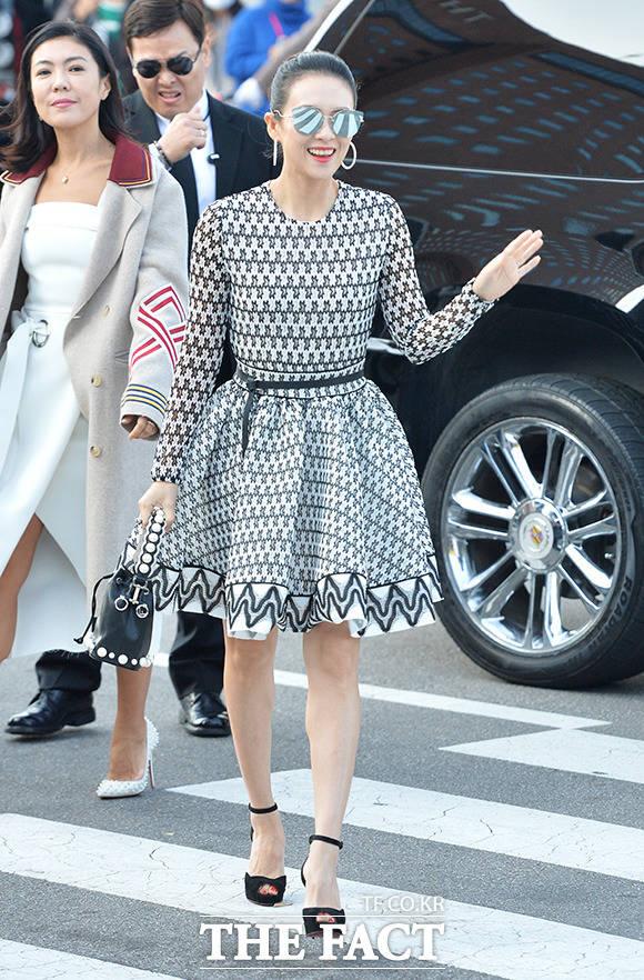 中国女優のチャン・ツィイーが31日午後、ソウルで行われたソン・ジュンギ&ソン・ヘギョの結婚式に出席した。