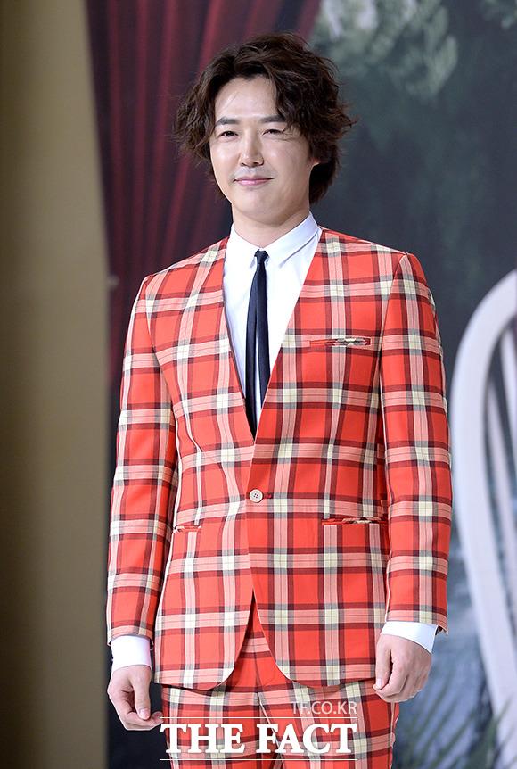 俳優のユン・サンヒョンがC-JeS Entertainmentと専属契約を結んだ。