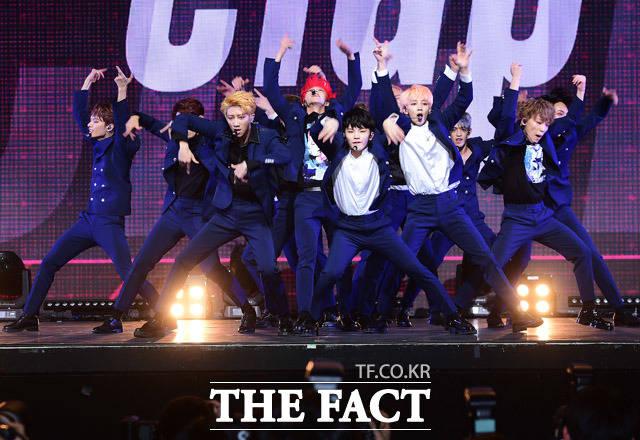 人気アイドルグループSEVENTEENの新アルバム「TEEN、AGE」のショーケースが6日、ソウルで開かれた。