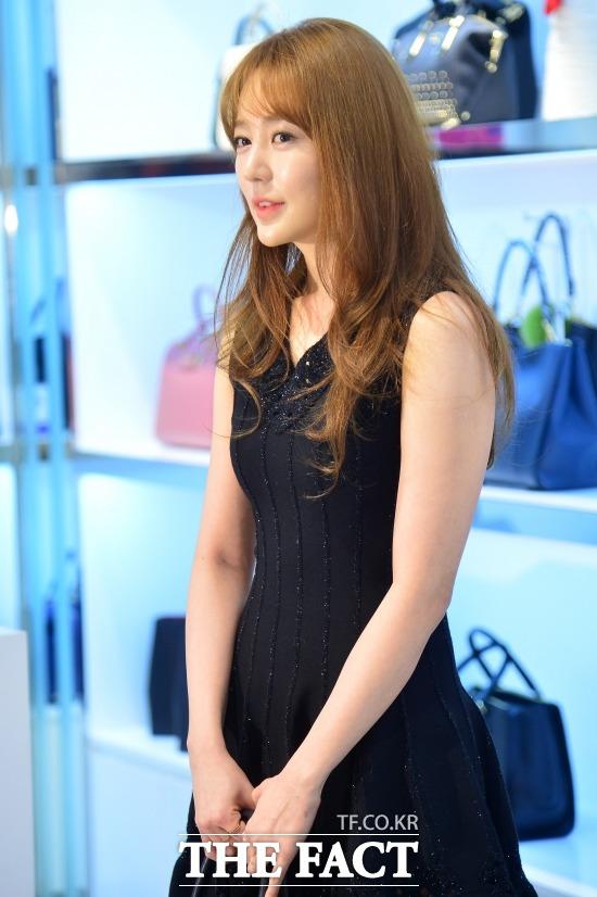 女優のユン・ウネの所属事務所が、ユン・ウネの韓国復帰に合わせ、2年前の盗作疑惑についてコメントした。