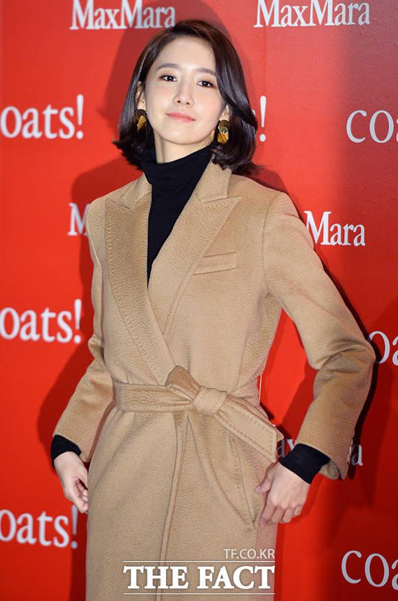少女時代のユナが28日、ソウル・東大門デザインプラザで開かれた女性服ブランドMaxMaraの「coats!」のイベントに出席した。