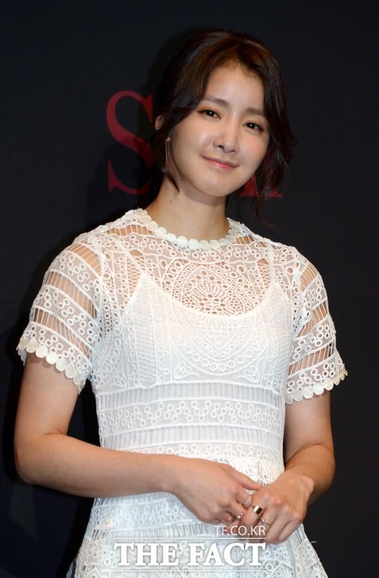 女優のイ・シヨンが無事に第1子を出産した。