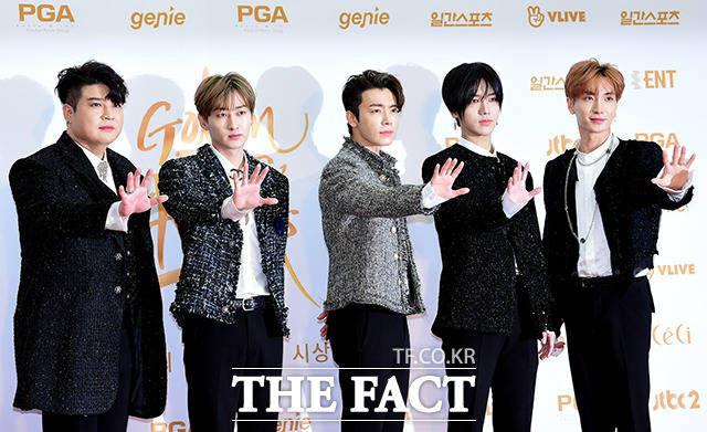 SUPER JUNIORのメンバーたちが11日、韓国・高陽(コヤン)市で行われた「第32回ゴールデンディスクアワード」に出席した。