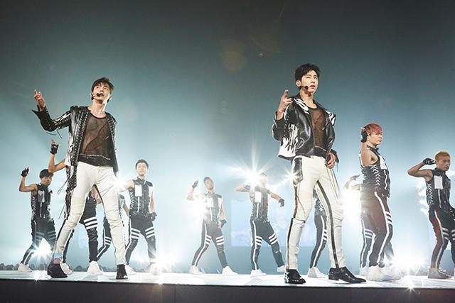 東方神起が3日連続の追加公演計画を決定し、日本ツアー100万観客動員を予告した。|S.M.ENTERTAINMENT