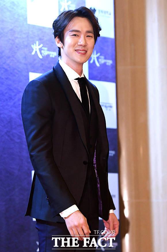 俳優のユ・ヨンソクが22日、ソウル・慶熙(キョンヒ)大学校平和の殿堂で行われた「第2回韓国ミュージカルアワード」に参加した。