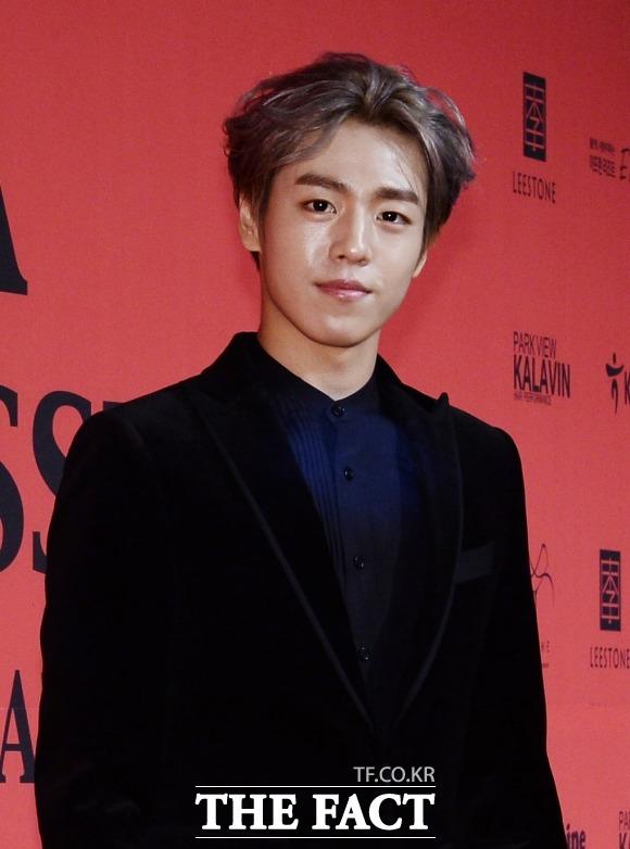 俳優のイ・ヒョヌが入隊する。