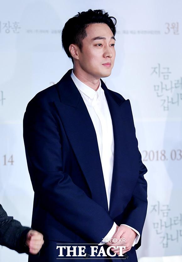 映画「いま、会いにゆきます」の制作発表会見が22日、ソウルで行われた。写真は同映画の男主人公を演じるソ・ジソブ。| 撮影: イ・ドクイン、イ・ドンリュル
