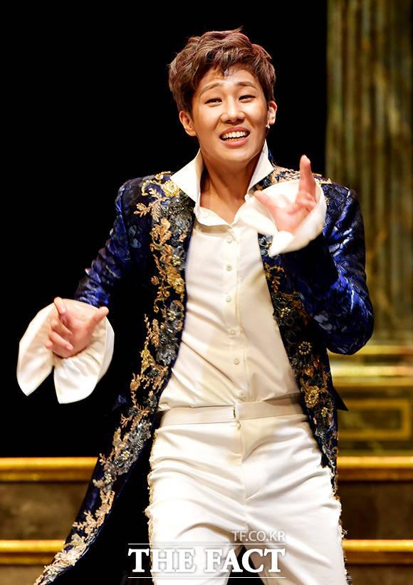 INFINITEのソンギュが7日午後、ソウルで行われた演劇「アマデウス」のプレスコールに出席し熱演を繰り広げた。