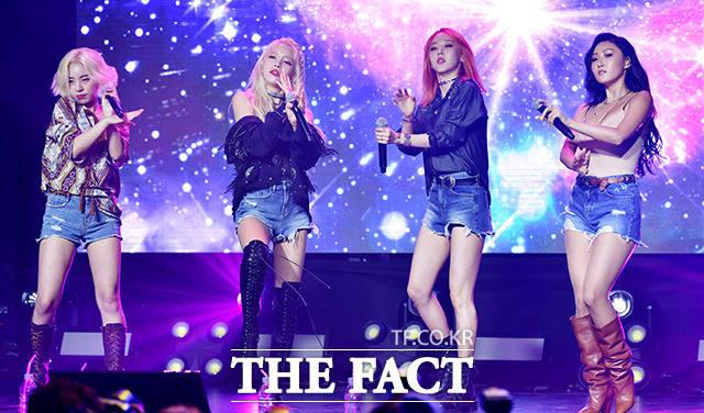 K-POPガールズグループ・MAMAMOOが7日、ソウルで6thミニアルバム発売記念ショーケースを行い、華麗なステージを披露した。