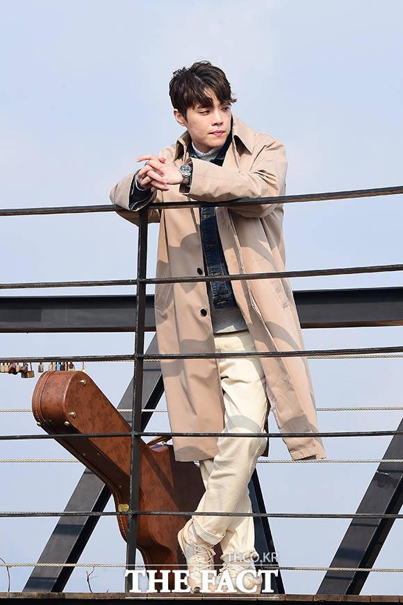 エディ・キムが8日、ソウルでシングル『おそらく君もそうだよね』のミュージックビデオの撮影を行った。