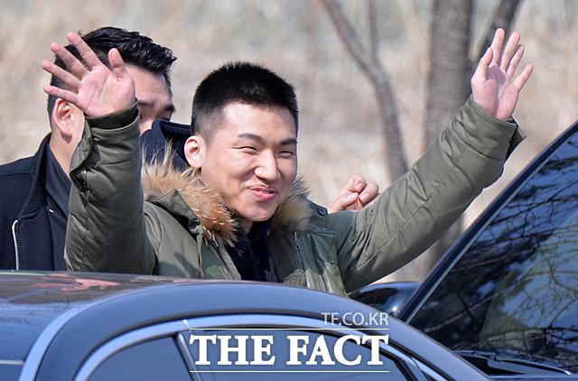 BIGBANGのD-LITEが13日、江原道(カンウォンド)・華川(ファチョン)郡に位置する27師団イギジャ新兵教育隊に入所した。