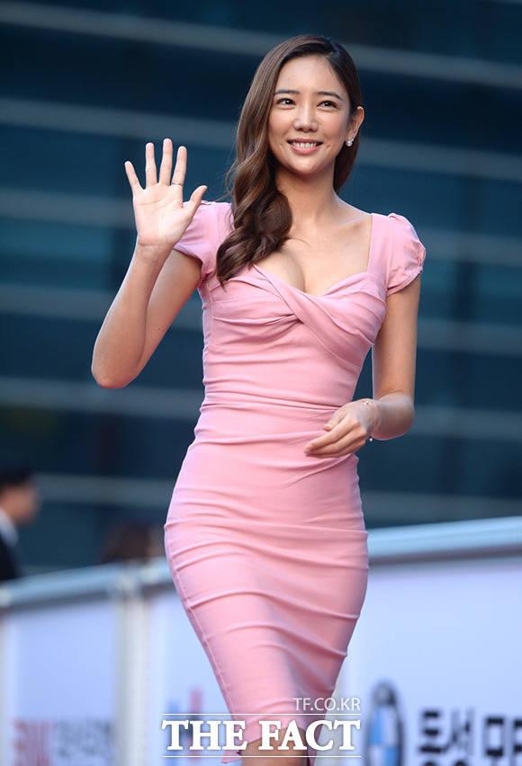 女優のイ・テイムが、突然引退を宣言した。