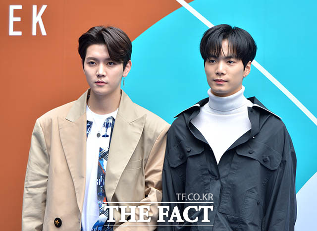 NU'EST レンとJRが21日、ソウルの東大門デザインプラザ(DDP)にて開催中の「2018 F/W HERA SEOUL FASHION WEEK」(2018.3.19~3.24)に出席した。