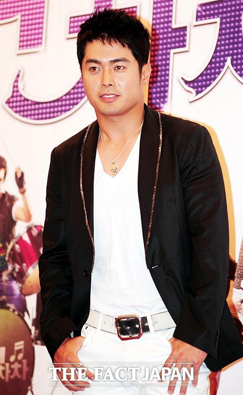 俳優のイ・ジョンスが詐欺の疑いで提訴されたと韓国マスコミが報じた。