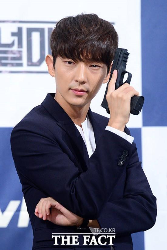 俳優のイ・ジュンギが「今年の演技賞」を受賞した。