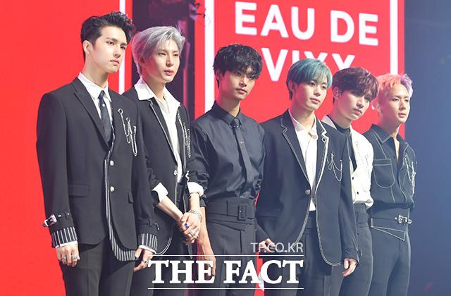 VIXXが17日午後、ソウルで3rdフルアルバム「EAU DE VIXX」発売記念ショーケースをおこなった。