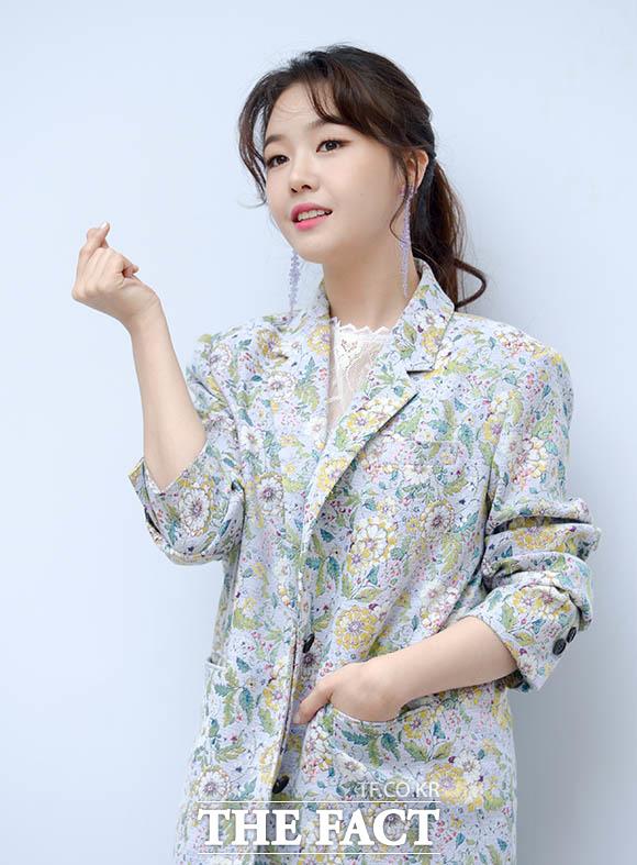 ガールズグループGirl's Dayのミナが24日、ソウルで行われたファッションブランド「jain song」の2018 F/ Wコレクション公開記念イベントに出席した。