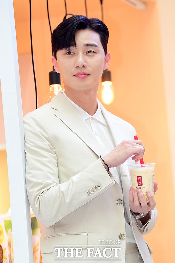 俳優のパク・ソジュンが9日、ソウルで行われた「パク・ソジュンと一緒にする貢茶の美味しいデート」イベントに出席した。