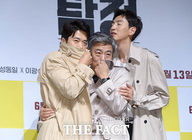 俳優のクォン・サンウ、ソン・ドンイル、イ・グァンス(左から)が17日、ソウルで行われた映画「探偵:リターンズ」の制作報告会に出席した。