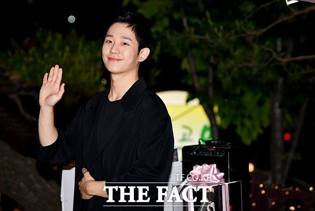 俳優のチョン・ヘインが19日、ソウルで行われたJTBCドラマ「よくおごってくれる綺麗なお姉さん」の打ち上げに出席した。