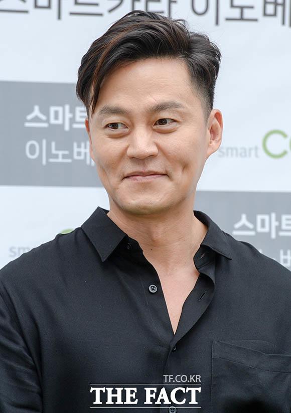 俳優のイ・ソジンが20日、ソウルで行われた「スマートカラ(smart cara)」イベントに出席した。