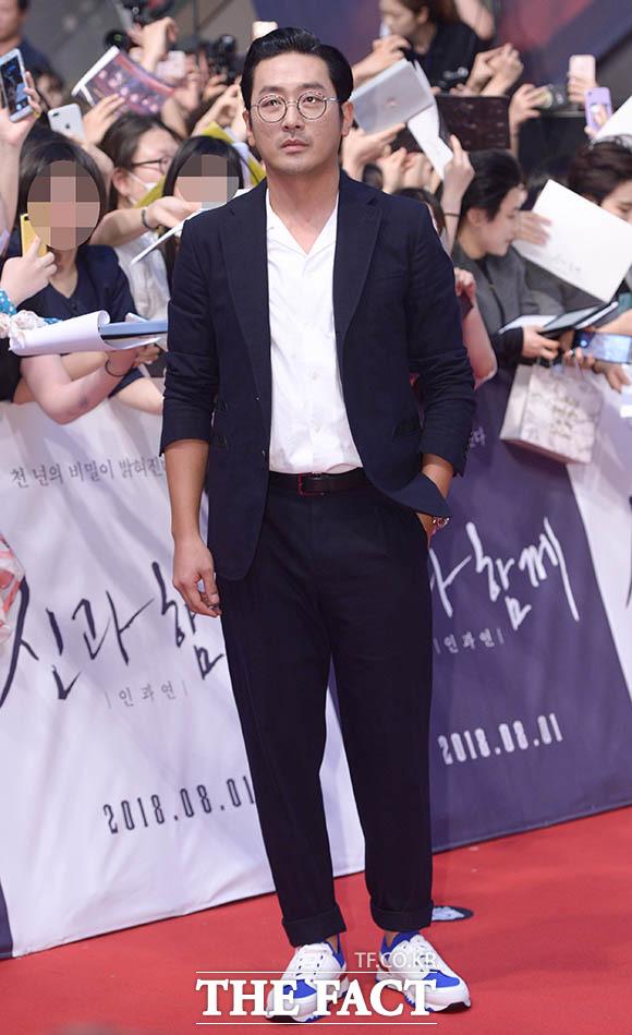 映画「神と共に2」のレッドカーペットイベントが30日、ソウルで行われた。写真は同映画のメインキャストのひとり、ハ・ジョンウ。|撮影:キム・セジョン