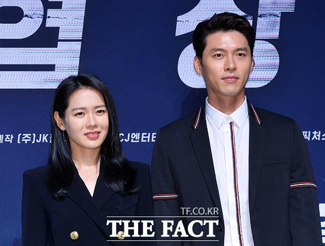 俳優ヒョンビンと女優ソン・イェジンが共演する映画「交渉(原題)」の制作報告会見が9日、ソウルで行われた。|撮影:イ・ドンリュル