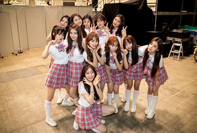 26日に行われたゲリラプロモーションに参加した「PRODUCE48」の韓国人練習生。|写真提供:CJ ENM