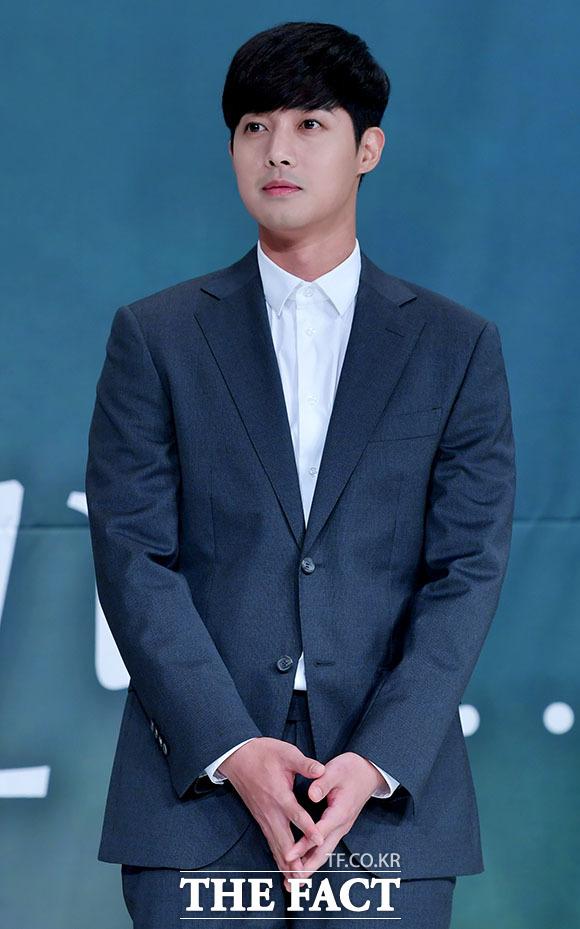 歌手で俳優キム・ヒョンジュン主演ドラマ「時間が止まるその時」の制作発表会見が23日、ソウルで行われた。|撮影:イ・ドクイン