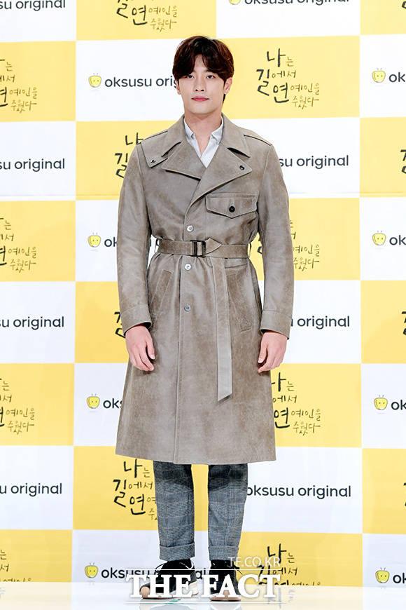 ドラマ「私は道で芸能人を拾った」の制作発表会見が1日、ソウルで行われた。写真は同ドラマの主演を務める俳優ソンフン。|撮影:イ・ソナ