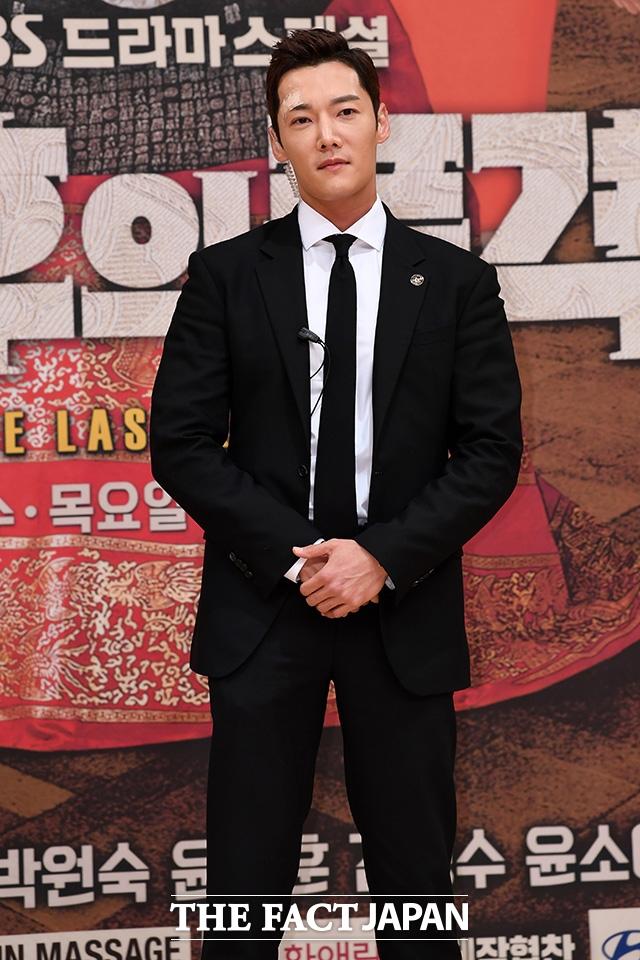俳優チェ・ジニョク |撮影:ナム・ヨンヒ