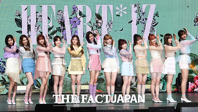 グローバルガールズグループ IZ*ONEの韓国セカンド・ミニアルバム「HEART*IZ」の発売を記念するメディアショーケースイベントが1日、ソウルで行われた。|撮影:イ・セロム