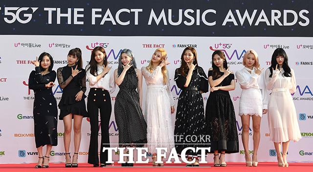 「U+5G THE FACT MUSIC AWARDS」(略:TMA)が24日、韓国・仁川にある南洞体育館にて開幕した。写真はガールズグループTWICE。|撮影:THE FACT写真映像企画部