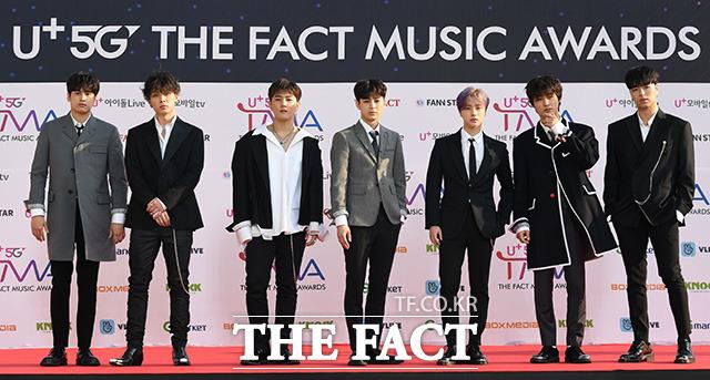 「U+5G THE FACT MUSIC AWARDS」(略:TMA)が24日、韓国・仁川にある南洞体育館にて開幕した。写真は男性ヒップホップアイドルグループiKON。|撮影:THE FACT写真映像企画部