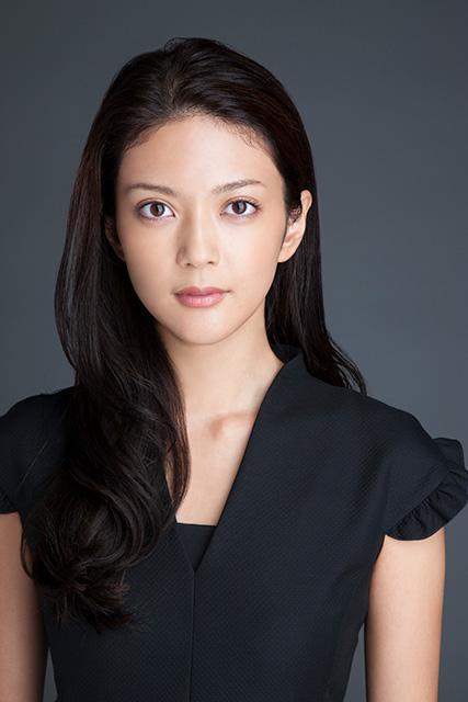 9頭身という抜群のスタイルを誇る、月9『貴族探偵』に出演している田中道子