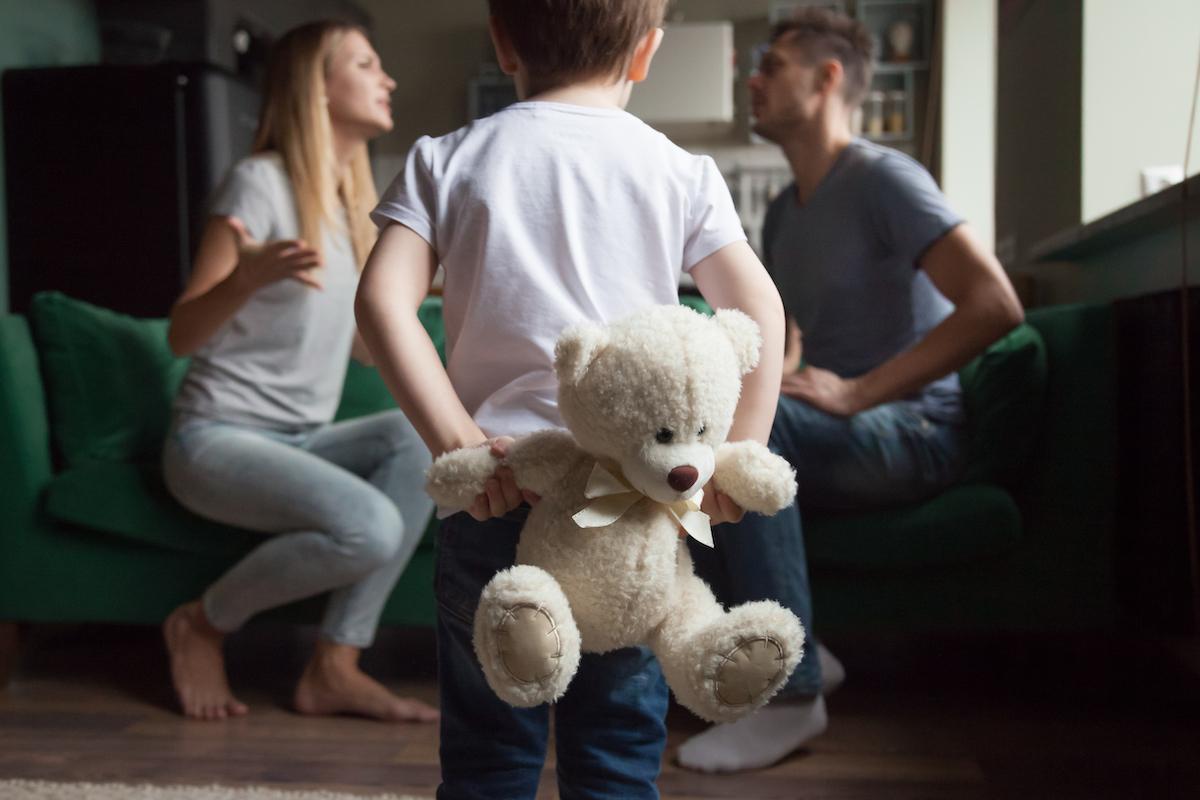 「私たち、別れましょ」その決断のタイミングと理由は何?最新データに見る離婚事情