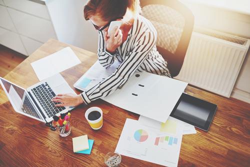 【心理テスト】職場の机の状態でわかる やる気をゼロにする不満ポイント