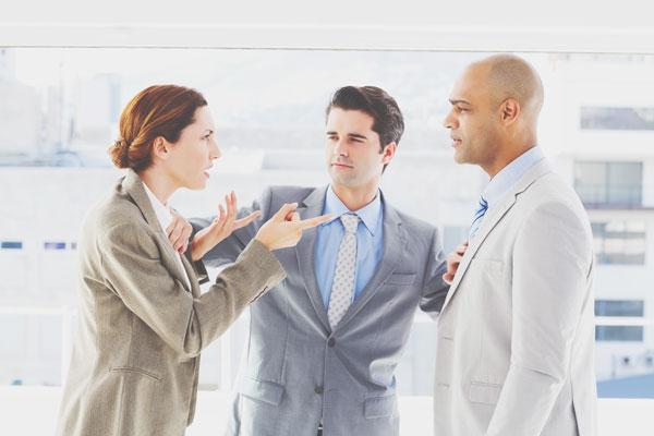 意見が対立したときの態度でわかる相手の本性 意見を即引っ込める人は二面性あり!