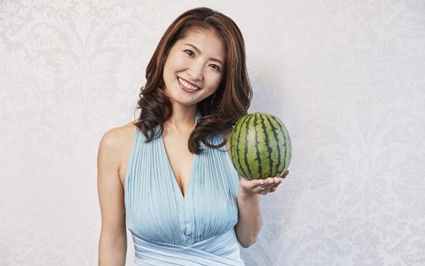 「スイカップ」アナ、古瀬絵里さんに聞く! 授乳期を経ても美バストを保つ秘訣