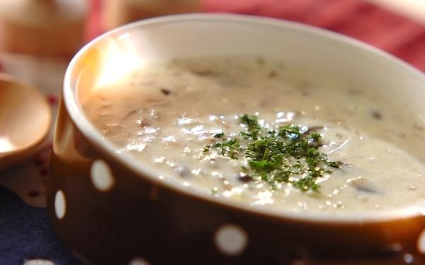 ミキサーを使わず気軽に作れる、キノコのポタージュスープ