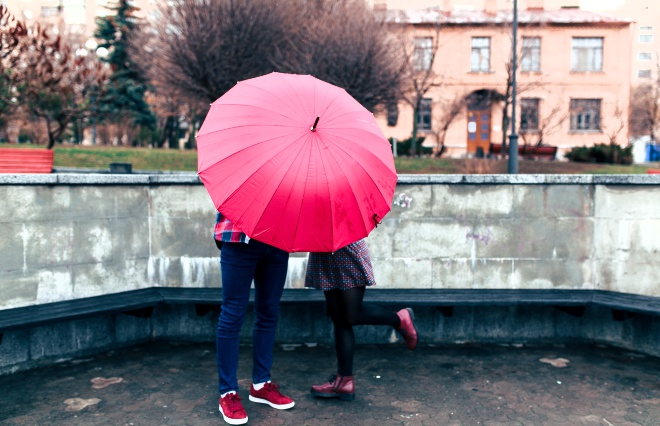 雨の日デート、彼と一緒に何するの? アラサー女子に聞いてみた